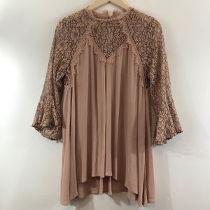 Umgee Lace Detail Flared Sleeve Tunic Top Sz M